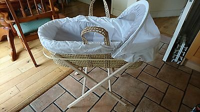 Cuddles Collection Moses Basket and Baby Elegance basket Stand