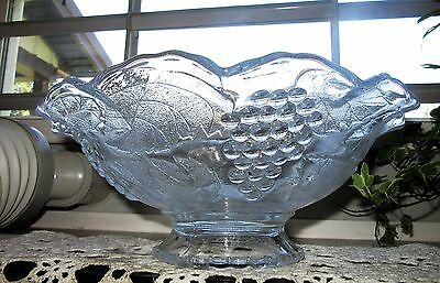 Vintage L E Smith Glass Raised Grapes & leaves footed crimped centerpiece bowl