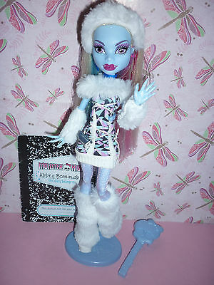 Monster High Signature/Original Abbey Bominable Doll inc Pet, Diary & Access'