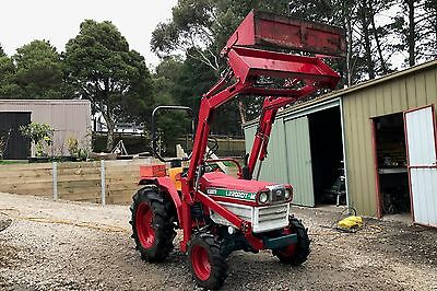 Kubota L2202 DTM WITH 4 in 1 BUCKET