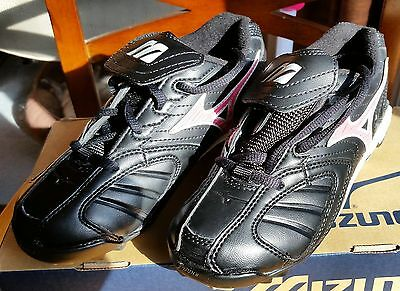 Mizuno Finch Franchise 9 Spike Fastpitch Softball Cleat - Youth Size 3.0