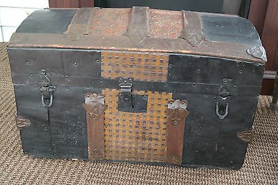 Small  Antique Victorian Dome-Top Trunk in Northern New Jersey