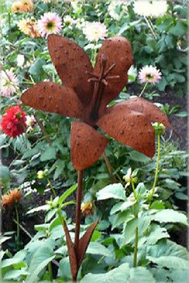 Iron Cut Metal Lily Flower Plant Stake Garden Lawn Yard Outdoor Landscape Decor