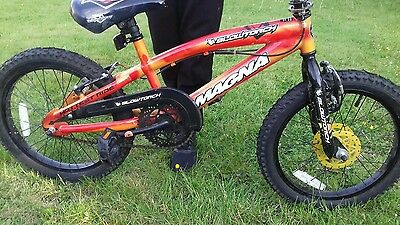 Magna Blowtorch  Boys Bike Age 5 To 8 Collection  Only From Sheffield 12