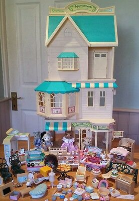 Sylvanian Families  Applewood Dept Store + cottage, shoe, toy, ice cream stalls.