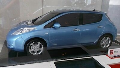 Genuine nissan leaf showroom display model