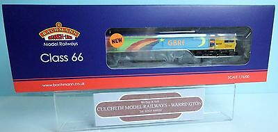 Bachmann 'oo' Gauge 32-979V 'rainbow' Competition Class 66 Loco Boxed New