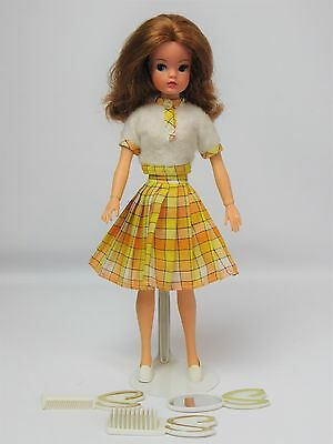 Vintage Pedigree Active Sindy Doll 1974 In Lovely Lively Outfit And Accessories