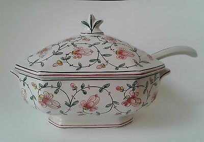 Vintage Ouieiro Agiieo Covered Soup Tureen with Ladle, Made in Portugal
