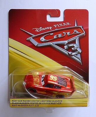 Disney Pixar Cars 3   RUST-EZE RACING CENTER LIGHTNING McQUEEN  Very Rare UK !!