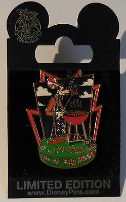 Disney Pin DLR 4th of July 2004 Goofy BBQ Pin LE1000