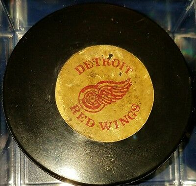 Vintage art ross converse DETROIT RED WINGS hockey GAME PUCK NHL OLD LOGOS USA