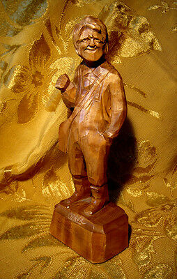 OLD MAN WOOD CARVING by ARIST CARON from SAINT-JEAN-PORT-JOLI, QUEBEC