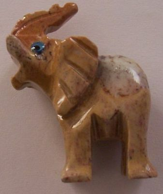 JASPER Carved ELEPHANT...3.6cm tall and weighs 15gms.... Healing Crystal ....NEW