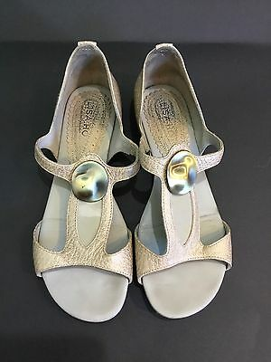 LISA HO women's SHOES sandals size 36 made in Brazil Leather metallic Gold Flats