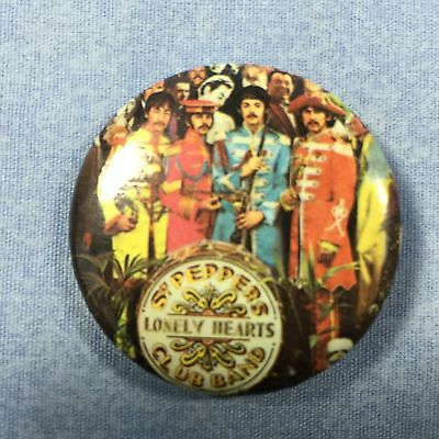 COLLECTIBLE BEATLES Sgt PEPPERS PIN BACK REPRODUCTION BUTTON FROM THE '80s NICE