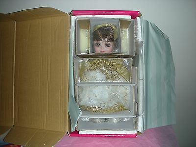 Marie Osmond Adora Belle 100 14 inch Doll White and Gold Holiday Dress 2006