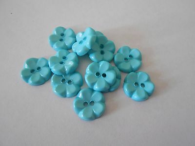 Blu28 * 24 Blue Flower Resin 2 Hole Flat Buttons * New & Unused * 16Mm