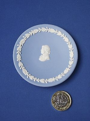 Franklin Mint Miniature Plates of the World Wedgwood Jasper Ware Cameo Plate