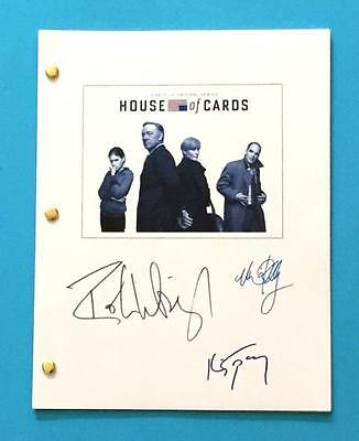 House Of Cards Script Signed Kevin Spacey, Michael Kelly, And Robin Wright