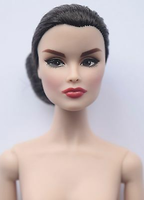Fashion Royalty/On How to Be Lovely-Nude doll only