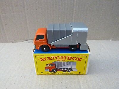 Matchbox Lesney No. 7 Refuse Truck - Mint With Original Box