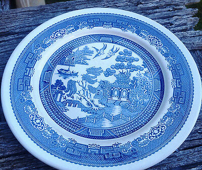 Blue Willow Pattern - Dinner Plate Ceramic Made in New Zealand approx 24cm diame