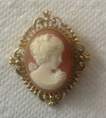 Solid Perfume Cameo Brooch PIN Vintage Lady Peach Cream Gold Colors No Glace