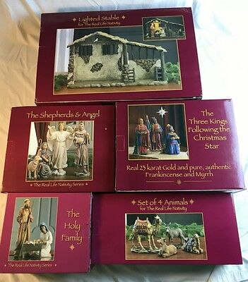 "Three Kings Gifts 16 Pc Standard 10"" Nativity Set With Stable 3 Kings, Shepherds"