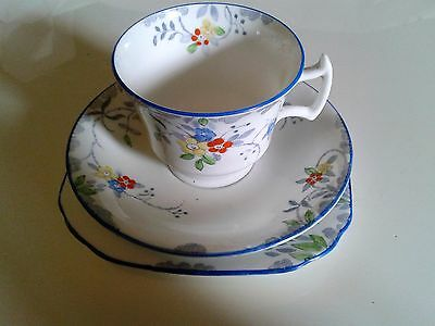 Vintage Sutherland china, art deco, trio of teacup, saucer and side plate. VGC.