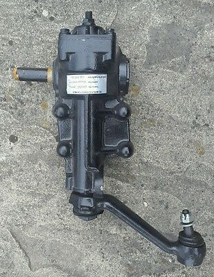 Land Rover Defender manual steering box (Adwest)and drop arm-LHD, NTC8223.