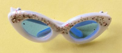 VTG BARBIE NM white sunglasses with glitter ~HIGH FASHION~SUMMER BEACH WEAR
