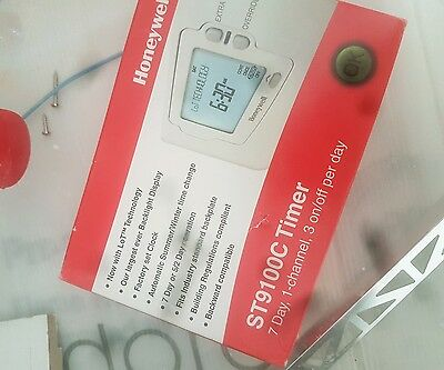 Honeywell ST9100C 7 Day, 1 Channel, 3 On/Off Per Day Timer Genuine *NEW*
