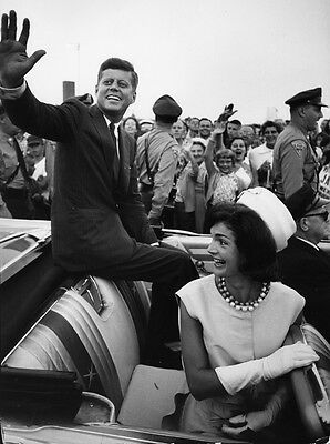John F.Kennedy - Photo of John & Jackie Kennedy on the campaign trial in 1960