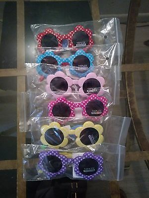 Kids Sunglasses, Cute Simple Lil Girl Shades, Flower Sharped Frames