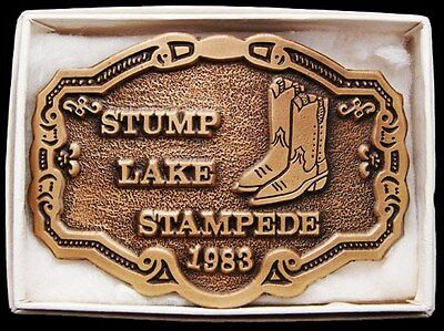 Ik17114 *nos* Vintage 1983 **stump Lake Stampede** Brass Plated Belt Buckle