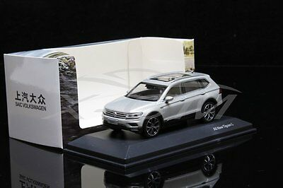 Diecast Car Model 1:43 Volkswagen All New Tiguan L (Silver) + GIFT!!!!!!