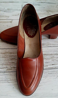 Vintage 1950's Boxed Brown Leather Heeled Shoes by Clark's. Size 5.