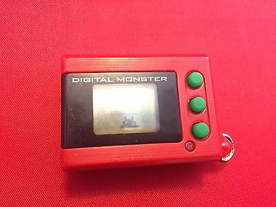 DIGIVICE DIGIMON MINI ver1 DEVICE BANDAI JAPAN USED with one buttery