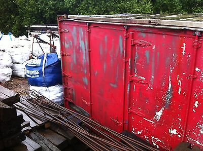 30 ft shipping/storage container