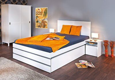 Conforto 140X200Bed 1,5P + 2 Bedside Tables. Size 145X205X80H. Solid Pine.