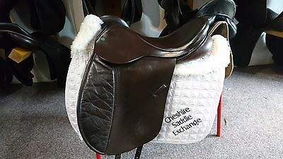 eclipse english walsal leather/synthetic dressage  saddle 17.5  med/wide