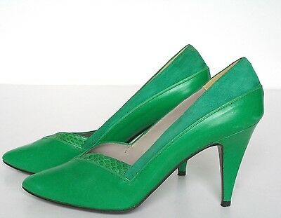 UK 5 Pierre Cardin Green Leather Vintage Court Shoes - 1980s - 38