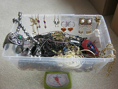 Fashion jewelry lot, 5 lbs of wearable necklaces, earrings, bracelets, brooches