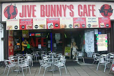 Themed Rock N Roll Cafe/restaurant For Sale Includes 6 Bedroom Accommodation