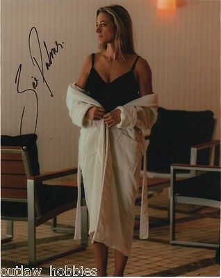 Zoie Palmer Lost Girl Autographed Signed 8x10 Photo COA