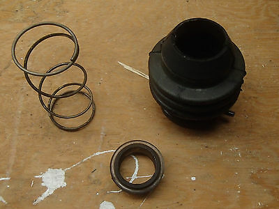 Force outboard exhaust boot spring and bushing