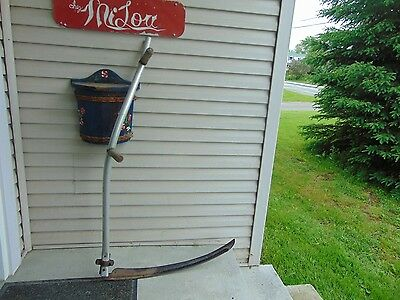 vintage /antique   mowing scythe    nice #   4544