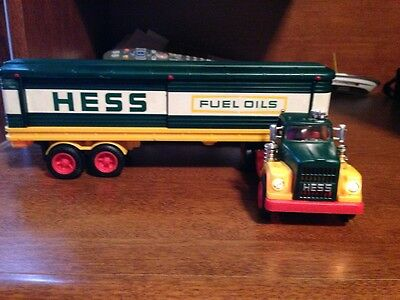 Vintage 1976 1977 1982 1984 Hess Truck Lot Excellent Condition