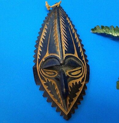 PNG Papua New Guinea - Wood Artifact - 18cm Carved & Stained Tribal BIRD Mask -